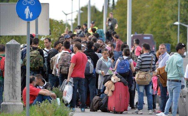 Refugees enter Austria 2015