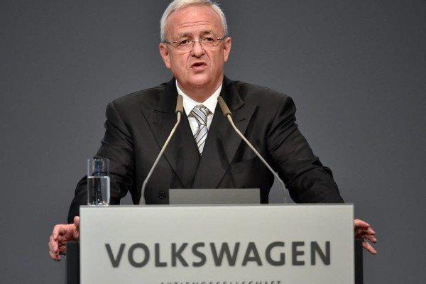 VW CEO Martin Winterkorn resigns