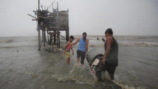 Typhoon Koppu Philippines floods
