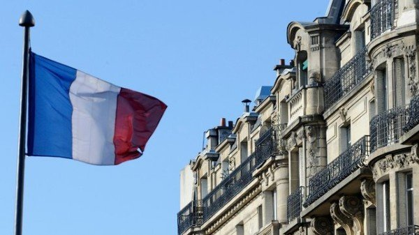 Paris attacks impact on French economy