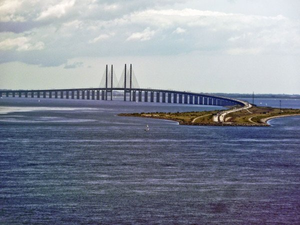 Sweden trains Oresund bridge