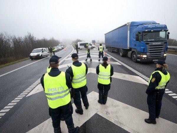 Denmark border control refugee crisis