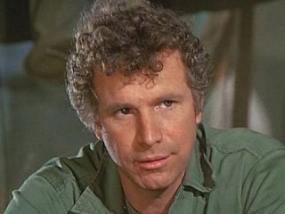 Wayne Rogers dead at 82