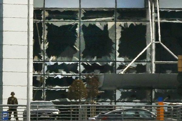 Brussels airport closed after attacks