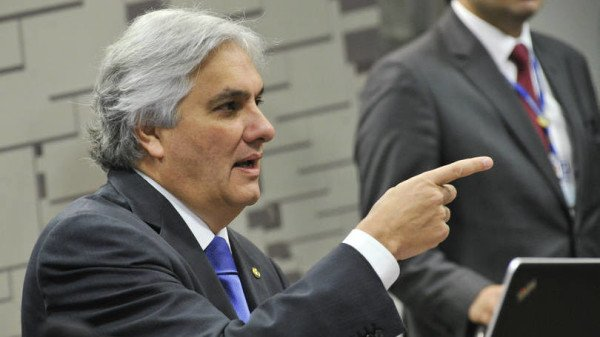 Delcidio Amaral accuses Dilma Rousseff