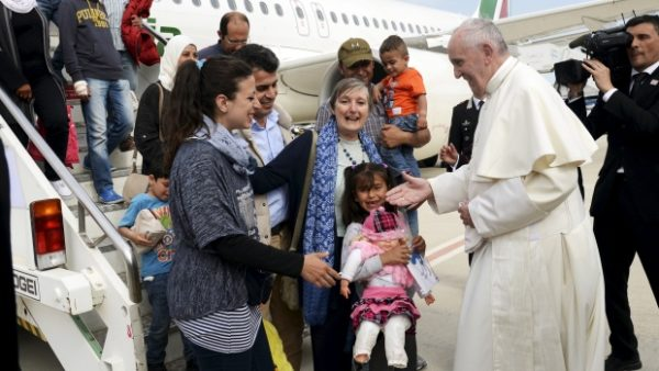 Pope Francis refugees Lesbos