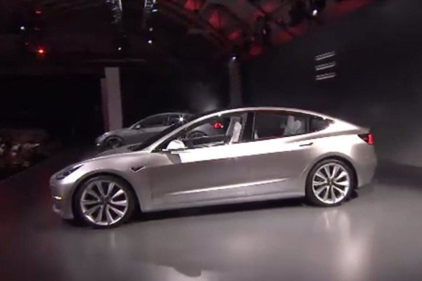 Tesla Model 3 pre orders