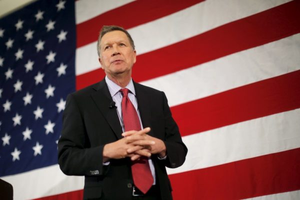 John Kasich suspends presidential campaign